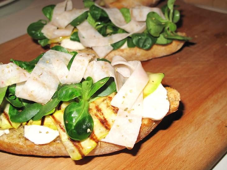Mozzarella, Zucchini, Arugula and Chicken Bruschetta Recipe