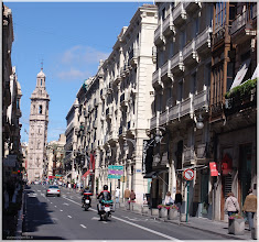 Photo: Calle la Paz( Valencia) http://www.viajesenfamilia.it/