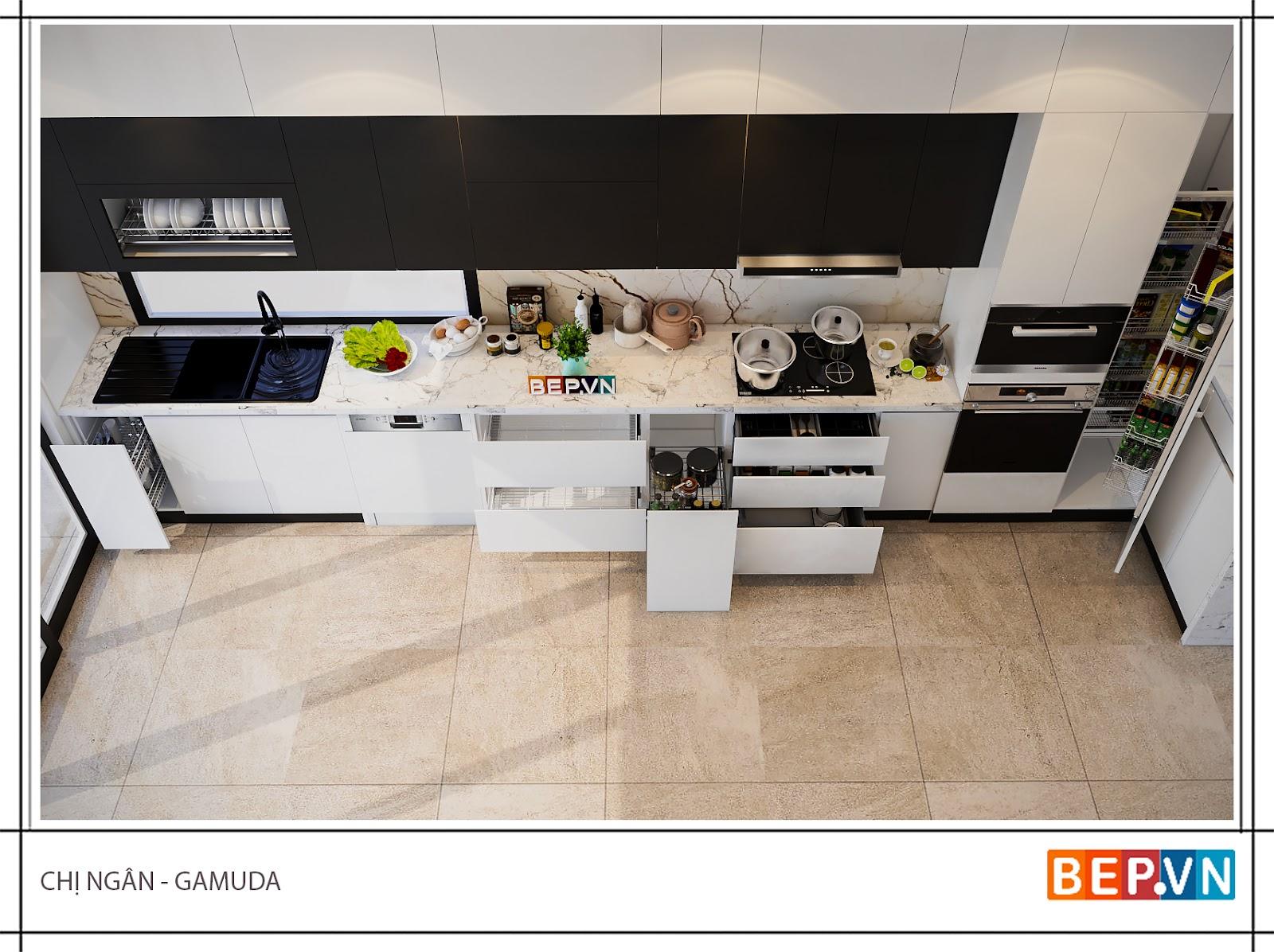 Thiết kế tủ kho kết hợp lò nướng và lò vi sóng trong căn bếp gia đình chị Ngân