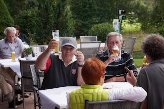 Photo: 18 Loch geschafft. Da schmeckt das Bierchen.