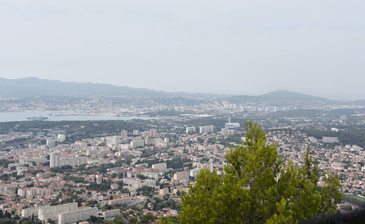 DSC_0744.jpg - Views over the city area of Toulon from Mount Faron