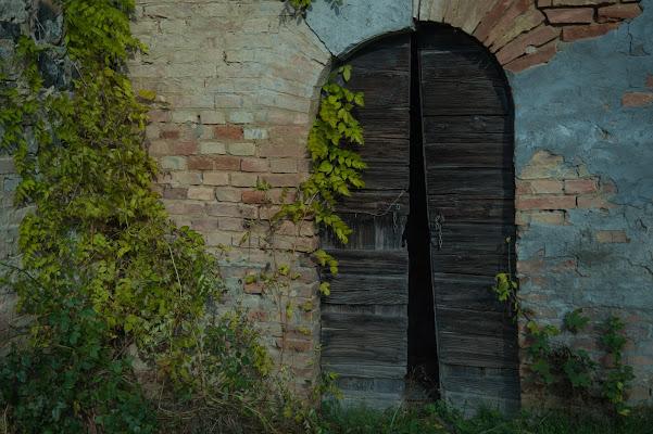 La porta rotta di Gian Piero Bacchetta