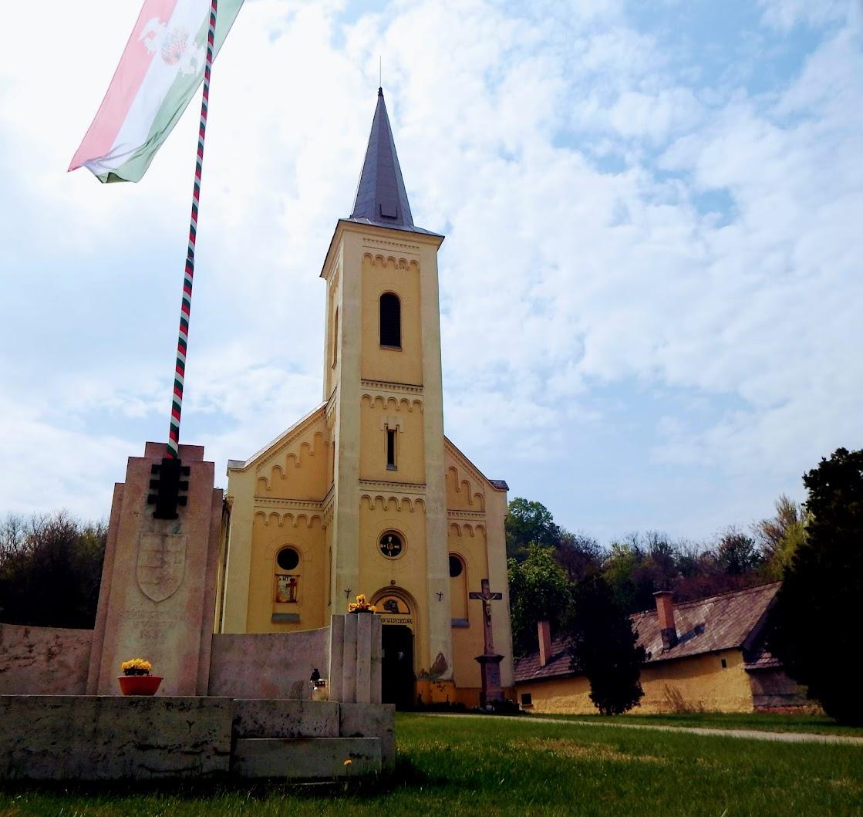 Lábatlan - Piszkei Sarlós Boldogasszony rk. templom