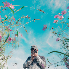 shoot the flower by Charles Saswinanto - People Portraits of Men (  )