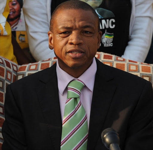 Supra Mahumapelo throws his weight behind Zuma.