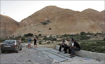 Photo: Потому что до крепости/монастыря было далеко. Но рядом были безработные палестинцы.