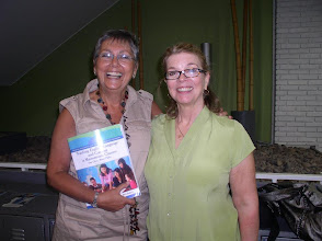 Photo: Ady Marrero introduces Mary Lou McCloskey at the ABC Congress in Montevideo
