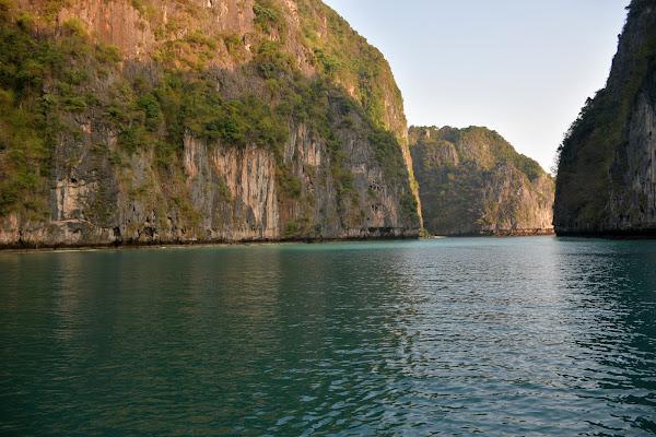 Cruise into the still quiet Phileh Lagoon