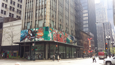 Photo: just liked the painting on this building - on the way to the Sears Tower
