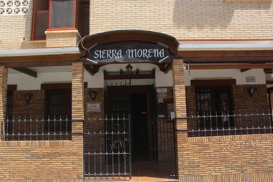 Mesón Sierra Morena, ubicado en calle Bilbao, Zapillo.