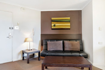College Street Serviced Apartments