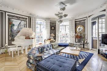 Appartement 10 pièces 253 m2