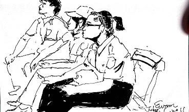 Photo: 新血2011.07.01鋼筆 在少輔院遇到三位中央警察大學的見習生,畢業後她們將會是監所管理階層的中堅份子,從她們的柔軟與熱情,我看到了台灣獄政的未來。