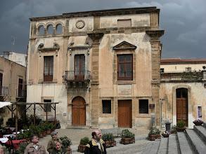 Photo: Cefalù, palazzo Piraino, 1500-luvun espanjalaista tyyliä.