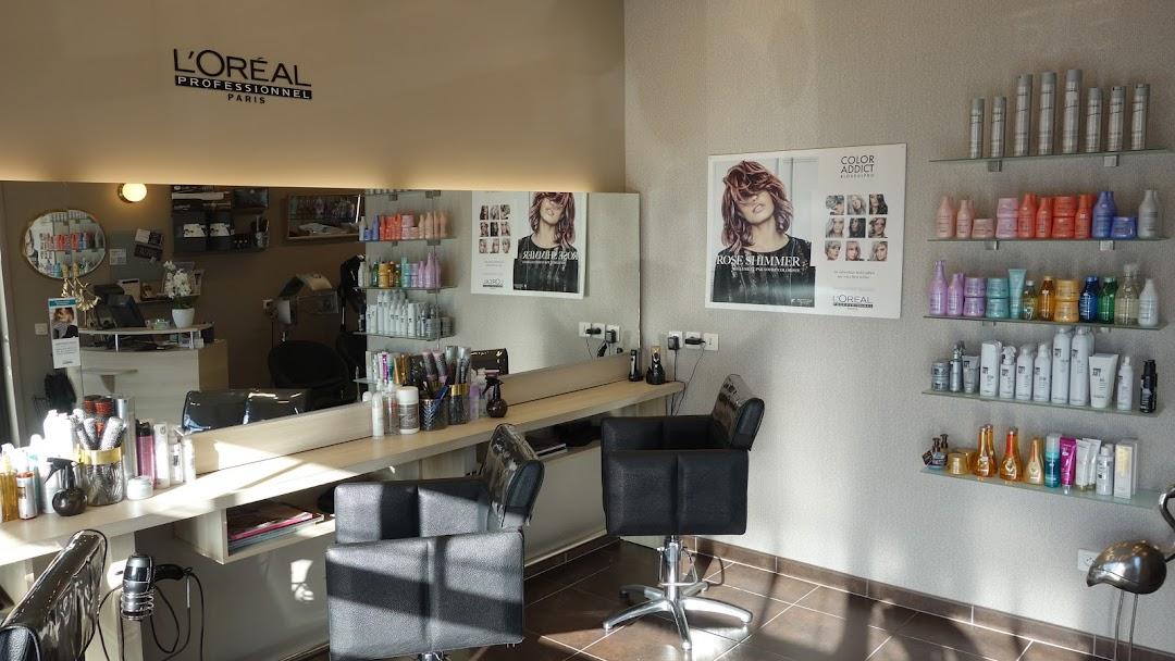 Il Ou Elle / Salon Coiffeur Mixte - Visagiste - Salon De ...