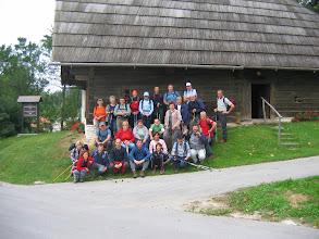 Photo: pa pred kmečko hišo