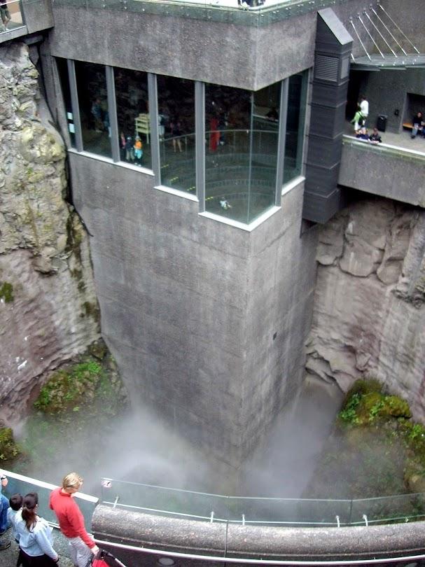 Vulcania, parque exótico no coração da França