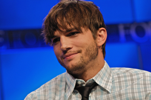 Ashton Kutcher JoePa Defense