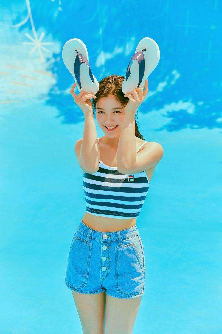 kim yoo jung summer abs 1