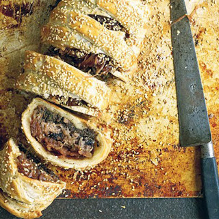Paul Hollywood's beef Wellington sausage roll
