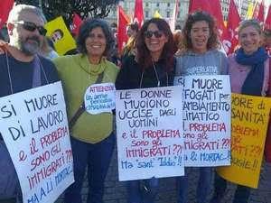 manifestanti contro Decreto Salvini a Roma
