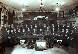"""Photo: 1933 """"Eerlijk Christelijk in Handel in Wandel"""""""