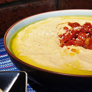 Garlic and White Bean Hummus for #Nationalgarlicday