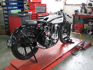 Entretien d'une Norton monocylindre effectué par Machines et Moteurs à Eaubonne