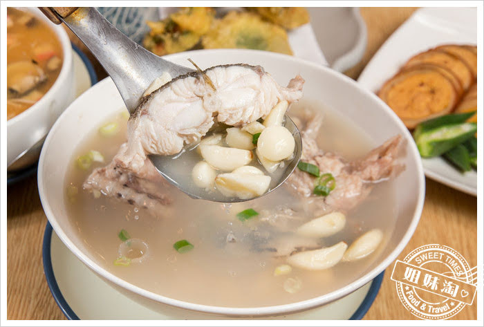 大手町日本料理無菜單料理牛尾魚蒜頭清湯