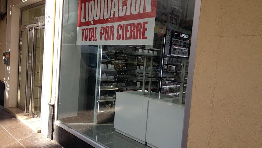 Imagen de hace unos meses de una de las tiendas que anunció su cierre.