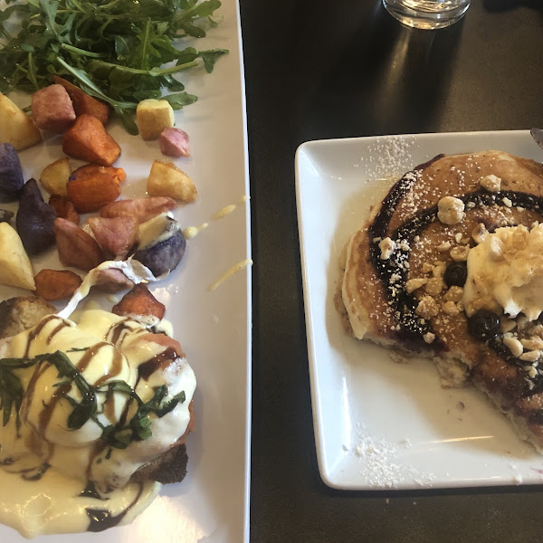 Mia Benedict and blueberry and ricotta pancake