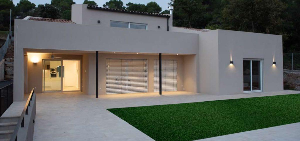 casas-prefabricadas-cubierta-inclinada-alta-eficiencia