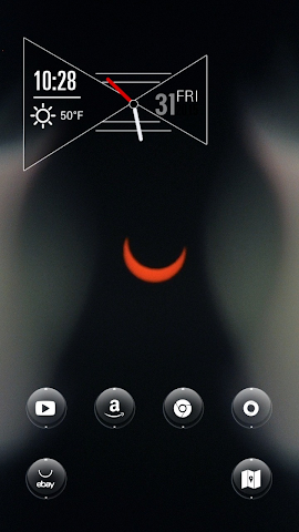 android The Curvy Red Moon in Midnight Screenshot 1