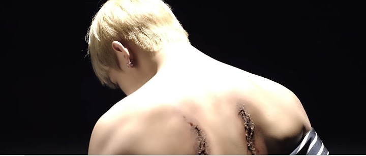 Here S How Bts V Got Those Cuts On His Back During Mama 2016