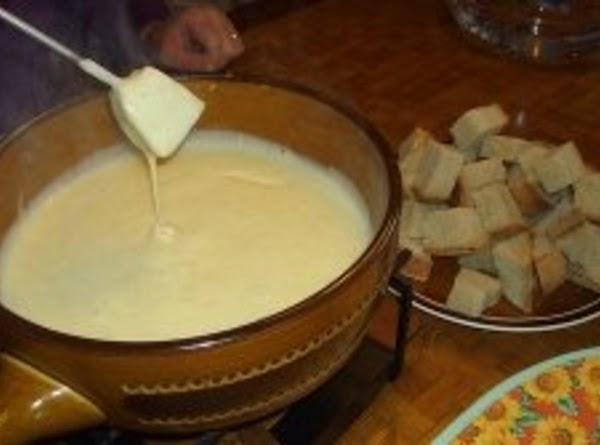 Garlic Cream Cheese Fondue Recipe