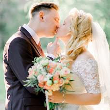 Wedding photographer Yuliya Zinoveva (juliz). Photo of 15.12.2017