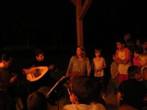 Photo: Szombat esti Tabulatúra koncert az emmausi gyerekeknek a szabadban.