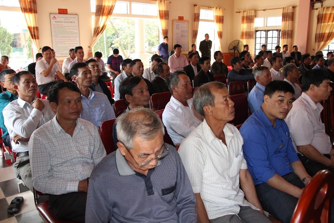 Rất đông người dân xã Nghi Thuận tham dự đối thoại