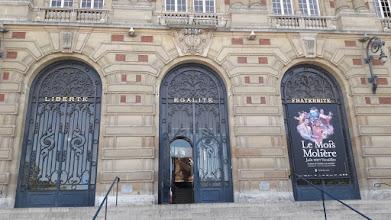 Photo: Façade de la mairie de Versailles