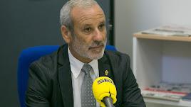 El alcalde de Vera, Félix López, en los estudios de SER Levante.
