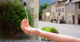 Unos 2.100 millones de personas no tienen acceso a agua potable  segun datos de UNICEF.