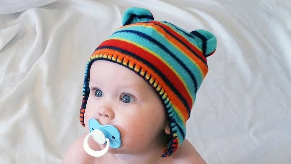 Bebé com chupeta