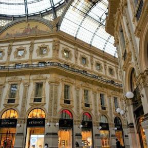 幸せになる雄牛の伝説も、イタリア・ミラノの「ガッレリア」は芸術的ショッピング街