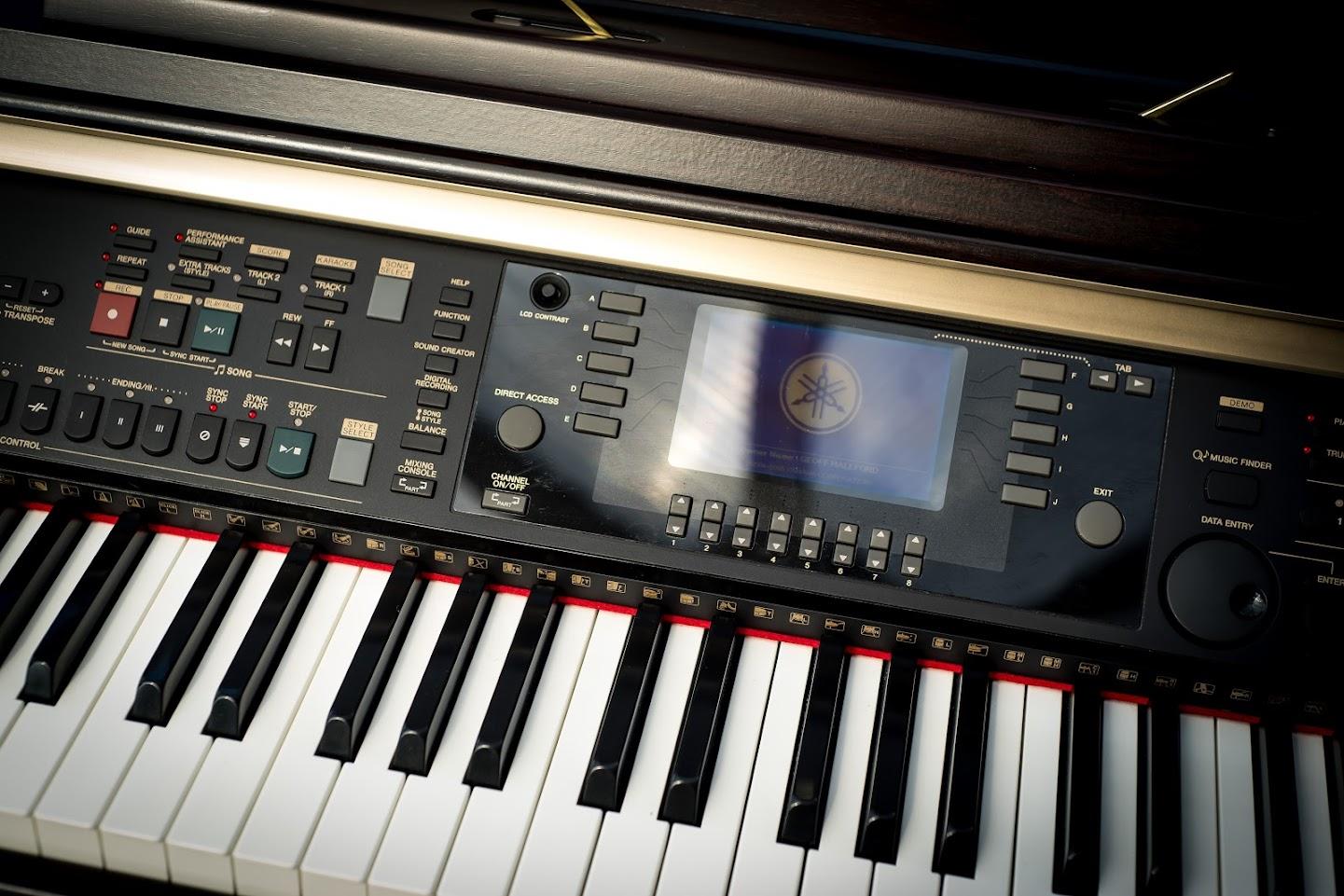 Yamaha clavinova cvp 301 digital full piano 88 key ghe for Yamaha keyboard 88 keys weighted