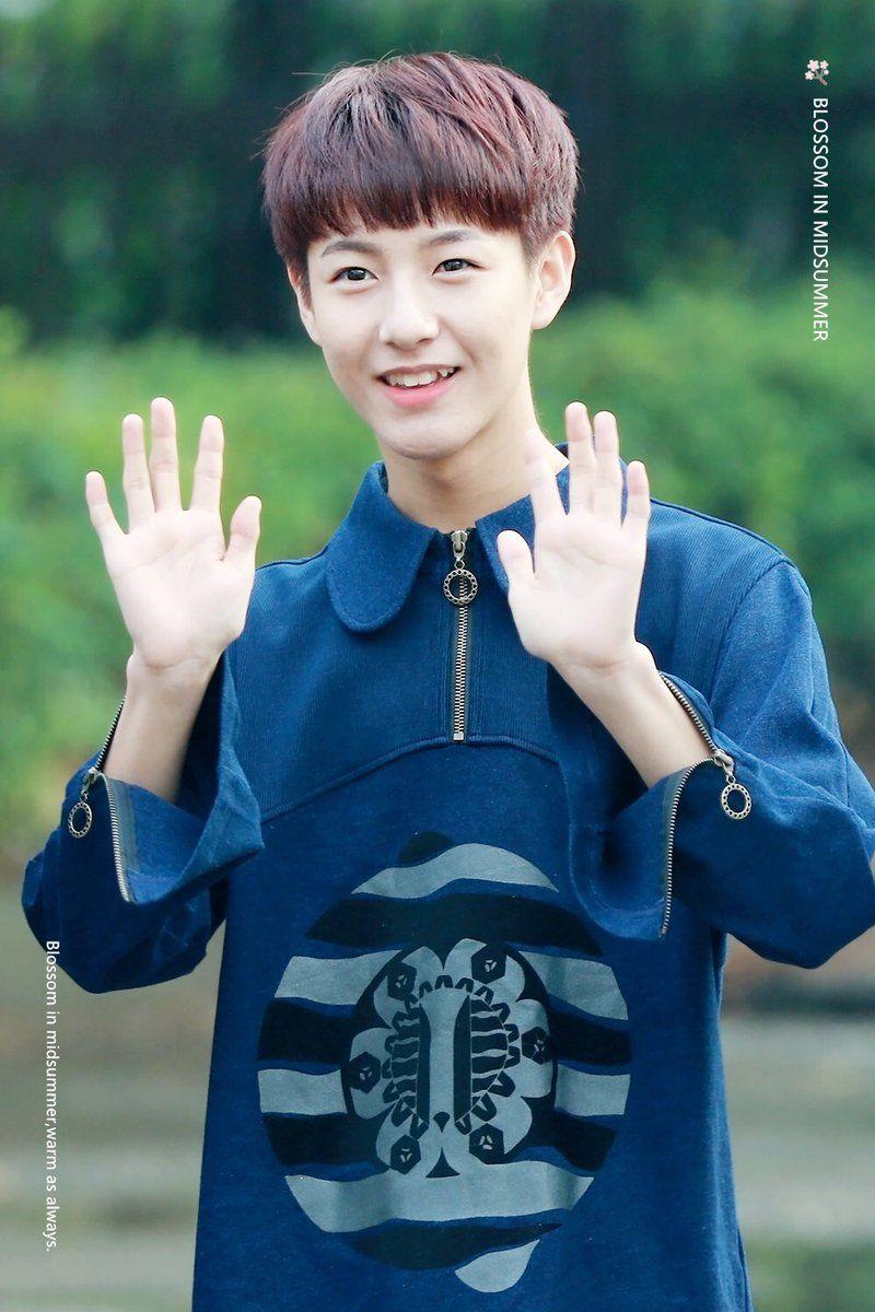 renjun hands 1