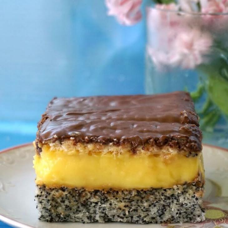 Poppy Seed Cake with Vanilla Custard and Nutella Recipe