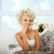 Wedding photographer Viktoriya Smelkova (FotoFairy). Photo of 06.08.2016