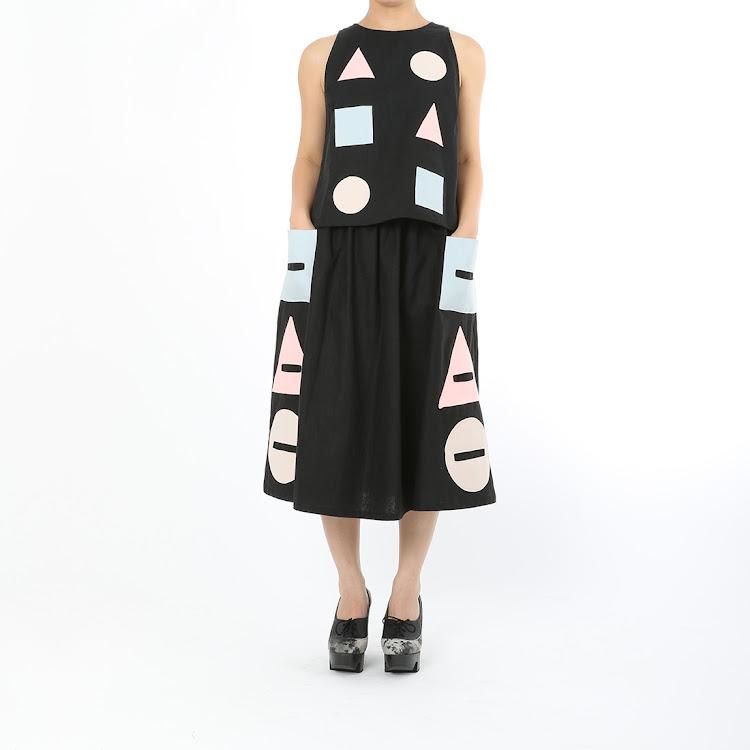 Etsu Geometrical Long Skirt Black by STH Creative S/B