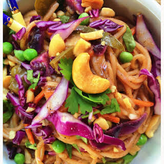 Easy One-Pot Vegan Spicy Thai Peanut Noodles (Gluten-Free).