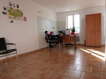 locaux professionels à Bagnols-en-Forêt (83)